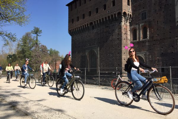 cycle tour milan